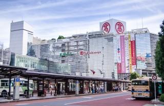 横浜駅の西口を散策しながら、家系ラーメンの総本山へ! 