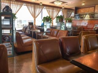 綱島に来たら老舗喫茶「coffee salon サガン」へ。温泉以上に訪問してほしいとても落ち着く黄金色の憩い空間